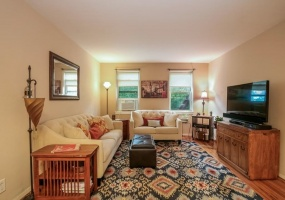 2 Bedrooms, Co-Op, Sold Listings, Irvington Estate, South Broadway, Second Floor, 1 Bathrooms, Listing ID 1011, Irvington, Westchester, New York, United States, 10533,