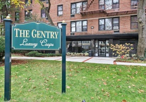 1 Bedrooms, Co-Op, Listings in Contract, The Gentry, Lenox Road, 1 Bathrooms, Listing ID 1025, Brooklyn, Kings, New York, United States, 11226,